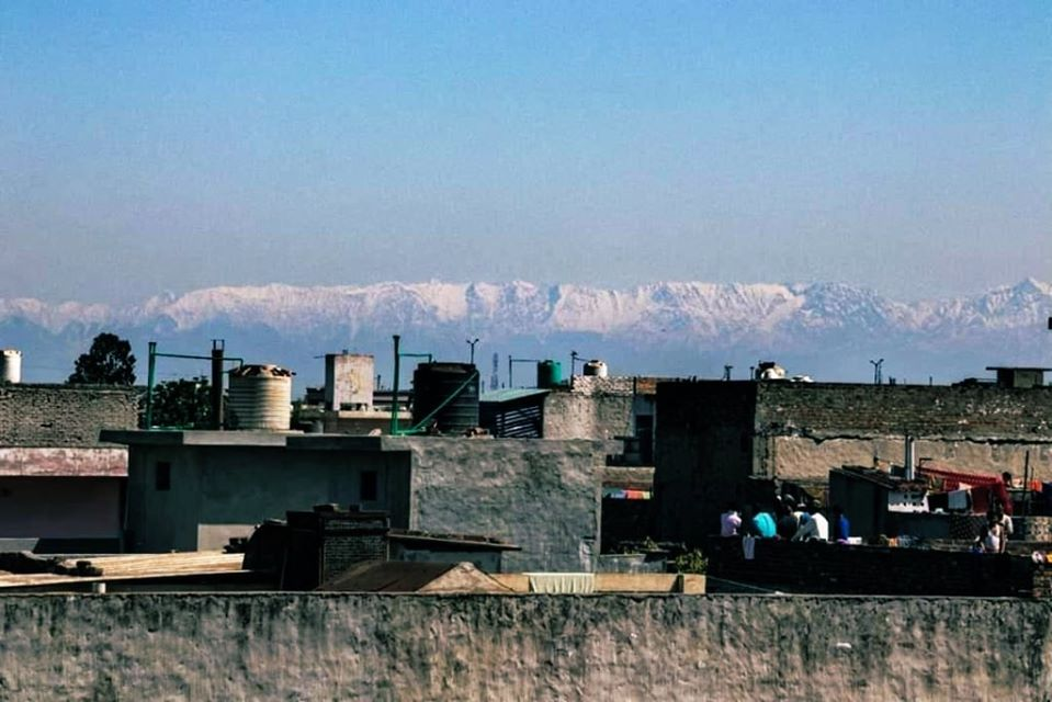 People in Punjab's Jalandhar city witnessed Himachal Pradesh's Dhauladhar mountain Range For the First Time